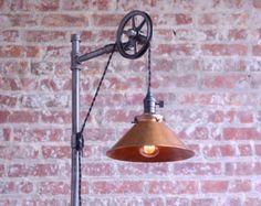 Lámpara de pie industrial sombra cobre por newwineoldbottles