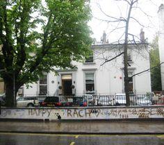 The EMI Abbey Road Studios. sono degli studi di registrazione creati nel 1931 dalla EMI a Londra e situati nell'omonima via. Qui hanno registrato alcuni tra i più famosi artisti del mondo. In primis Ii Beatles!