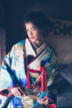 Blue Uchikake with Red Details from Cucuru Kimono Japan, Yukata Kimono, Kimono Dress, Japanese Kimono, Kimono Fashion, Ethnic Fashion, Asian Fashion, Geisha Japan, Wedding Kimono
