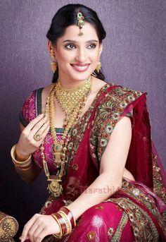 Priya bapat latest photos kranti Redkar Hot Wallpaper / indian.photosheaf.com