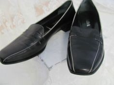 PRADA VERO CUOIO 37 ½ -7 Italy Loafer Flats Work Dress EUC Black White Contrast