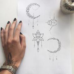 #tattoo #sketch #littletattoo свободные эскизы по минимальной цене✨ Питер 30-31 августа, осталось два места для маленьких тату