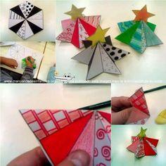 Hoy vamos a preparar una tarjeta navideña con forma de arbolito en 3D.  Estos arbolitos son de David de la escuela El Pla de Elche y el molde de Martha Stewart. Matriales necesarios: Plantilla del arbolito navideño en 3D...