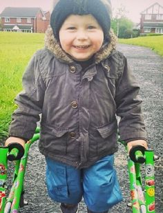Leo's dream to walk Leo is 2 years old from Manchester who has spastic diaplagia cerebral palsy. He needs a surgery called Selective Dorsal Rhizotomy (SDR).  http://www.treeofhope.org.uk/leos-dream-to-walk/