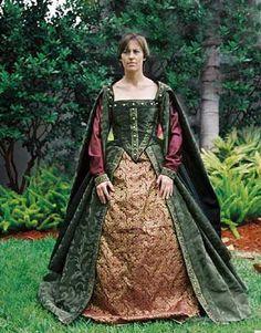 Abito da borghese in seta lucida verde con ricami oro. La sottogonna è in damascato oro antico e le sottomaniche in seta borgogna. Costo £100