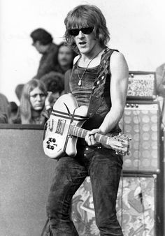 Paul Kantner guitarist of the Jefferson Airplane and Jefferson Starship ( 1941 / 2016)