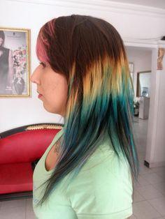 blond and green dye hair  ... ombre   mechas californianas verdes ...   la helena yulieth mejia   https://www.facebook.com/Los.Helenos