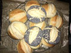 The fastest bread rolls in the world - Rezepte - Brot Bread Bun, Easy Bread, Bread Rolls, My Recipes, Bread Recipes, Favorite Recipes, German Bread, Pampered Chef, Fall Desserts