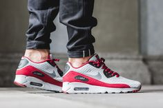"Nike Air Max 90 Ultra Essential ""Wolf Grey & Team Red"""