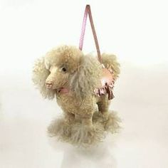 Honey Poodle Handbag, Unusual and Bizarre Creepy and wrong on so many levels! Unusual Wedding Gifts, Unusual Gifts, Dog Bike Trailer, Biking With Dog, Dog Bag, Unique Bags, Unique Purses, Beaded Bags, Beaded Purses