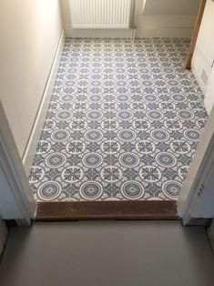 Vinyl vloer envaro kwantum Best Flooring, Kitchen Flooring, Flooring Ideas, Floor Design, Tile Design, Grey Wood Floors, Hallway Rug, Grey Kitchens, Bathroom Inspiration