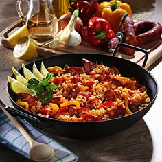 Chorizo-Paella (Rice with chorizo) Rezept – Famous Last Words Easy Chicken Recipes, Quick Recipes, Pork Recipes, Yummy Recipes, Chorizo, Mexican Dinner Recipes, Easy Dinner Recipes, Tostadas, Enchiladas