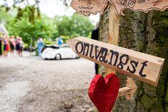 Wegwijzer diy hout bruiloft trouwlocatie twiskerslot