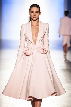 Fashion in Motion: Ralph & Russo, October 2014 | Victoria and Albert Museum #Fashion #Catwalk #Couture