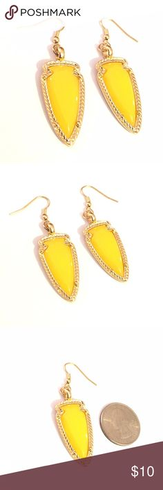 Lemon Merengue Fashion Earrings Pretty yellow resin and gold tone earrings. Price firm unless bundled. City to Seaside Jewelry Earrings