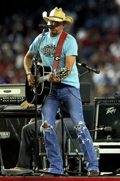 jason aldean .... Someday I am going to meet a man who is just like this guy and MARRY HIM!!!!