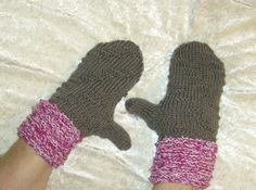 """Handschuhe - Handgestrickte Fäustlinge """"Schoko-Beere"""" - ein Designerstück von Rosemarie-Kerschl bei DaWanda"""