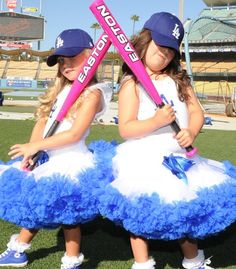 I can't get over how cute Sophia Grace and Rosie are!! So jealous they were at a Dodgers game....