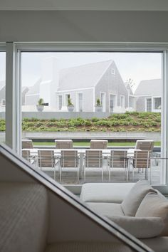 The world renowned architectural firm of Hugh Newell Jacobsen and Simon Jacobsen. Architecture, interiors, furniture and lighting design. Nantucket Cottage, Cape Cod Cottage, Cottage Style, Modern Lake House, Faia, Facade Design, Large Homes, Architectural Digest, Home Builders