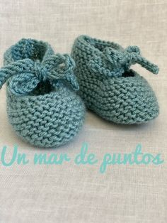 Baby Booties, Baby Shoes, Crochet Flowers, Baby Knitting, Fabric, Kids, Clothes, Knitted Baby Clothes, Kid Shoes
