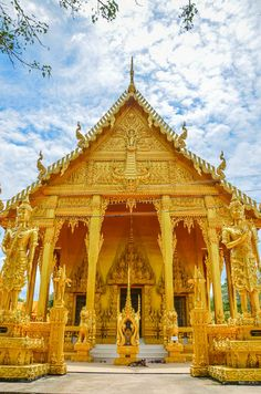 วัดปากน้ำโจ้โล้ (Paknam Jolo Temple) http://goo.gl/rvUL1M