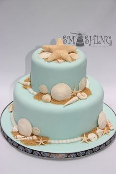 beach theme wedding   This cake would also be perfect for a beach wedding.