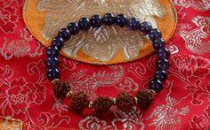 Een persoonlijke favoriet uit mijn Etsy shop https://www.etsy.com/nl/listing/280639742/leuke-rudraksha-met-amethist-armband