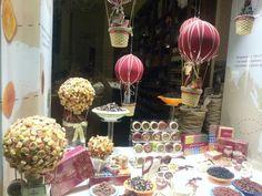 Vetrina di un negozio a Milano