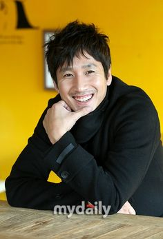 Korean Celebrities, Korean Actors, Asian Men, Asian Guys, Lee Sun Kyun, Korean Face, Asian Hotties, South Korea, Kdrama