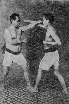 Choki Motobu Okinawan Karate, Catch Wrestling, Fight Techniques, Shotokan Karate, Human Body Art, Art Rules, Martial Arts Workout, Martial Artists, Kendo