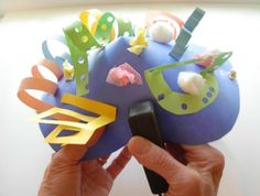 Art for Small Hands: Cut Paper - Collage Hats Cup Crafts, Easy Crafts, Paper Crafts, Playgroup Activities, Preschool Crafts, Projects For Kids, Crafts For Kids, Art Projects, Hat For The Races