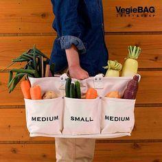 可愛らしいデザインと、沢山あるポケットが機能的なベジバックをご存知ですか?そのまま野菜を入れて野菜ストッカーにもなる人気のバッグです! モリーフのページから「ベジバック」と調べて見てくださいね。 #ベジバック#ベジバッグ#マイバッグ#お買い物#マザーズバッグ#野菜ストッカー#お出かけ#シンプル#mybag#愛用#愛用品#プレゼント#ママ#女の子 | SnapWidget Diy Reusable Bags, Diy Tote Bag, Fabric Bags, Diy Canvas, Bag Storage, Sewing Projects, Creations, Textiles, Diy Bags