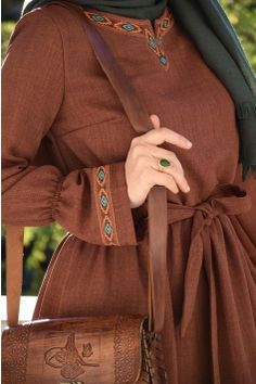 Hijab Style Dress, Hijab Outfit, Abaya Fashion, Fashion Dresses, Fashion Clothes, Skirt Fashion, Mode Abaya, Modele Hijab, Muslim Women Fashion