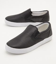 PUNCHING F LEATHER SLIP ON