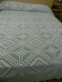 Crochet Bedspread Pattern, Crochet Quilt, Crochet Chart, Love Crochet, Crochet Motif, Crochet Designs, Crochet Doilies, Crochet Patterns, Vintage Crochet