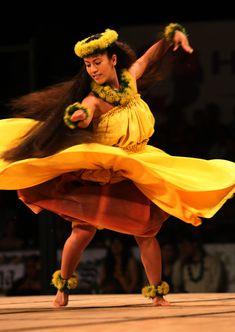 2014 Merrie Monarch: Miss Aloha Hula Ke`alohilani Tara Serrao // Hula Dancer // Hawaiian culture and tradition // all beautiful sources of inspiration for us all at Coco Moon Hawaii