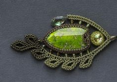 Beadwoven fish pendant by Green Lizard, a Russian beadworker, on Lyka28's page. Photo by lindal (Lindahl).