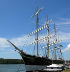 Pommern is a four-masted sailboat - a museum that is considered one of the symbols of the #Åland Islands. Length: 95 m, Width: 13 m, Mast height: 50 m, Average speed of 5.5 knots.