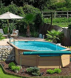 Above ground pools can be even more beautiful than their expensive counterparts diy - Outdoor decoratie zwembad ...