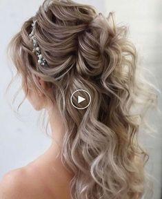 68 2019 De coolste haarkleurtrends # haarkleurtrends #haarstijlideas #vrouwen haar ...  #coolste #haar #haarkleurtrends #haarstijlideas #TrendKapsels2019 #VROUWEN  #TrendKapsels