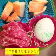#Tyketuesday  today the girls had @applegate salami with goat cheese all rolled up, egg and 1/2 Apple! Is it weird both my kids love goat cheese? #paleo #primal #kidapproved #jerf #keepitpaleo #schoolLunch K