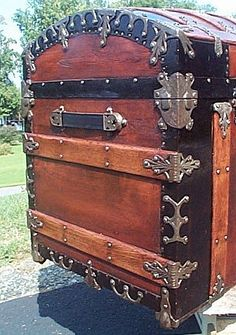 antique trunks   BELOW ARE SOME ADDITIONAL BEFORE AND AFTER HOW TO RESTORE ANTIQUE ...