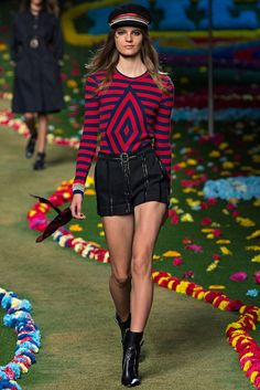Tommy Hilfiger | Spring 2015 Ready-to-Wear | 16 Blue/pink striped long sleeve sweater and black belted shorts