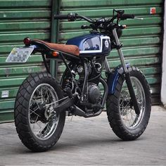 Another simple little Yamaha from @benditamacchina. Great work as usual guys! #dropmoto #yamaha #streettracker