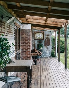 A Delightfully Rustic, Country Style Getaway in South Gippsland Country Patio, Rustic Patio, Country Farmhouse Decor, French Country Decorating, Country Porches, Rustic Outdoor Spaces, Country Home Exteriors, Rustic Country Kitchens, Southern Porches