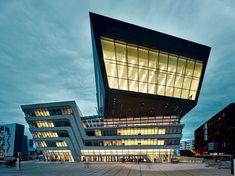 Zaha Hadid - Biblioteca della Facoltà di Economia all'Università di Vienna