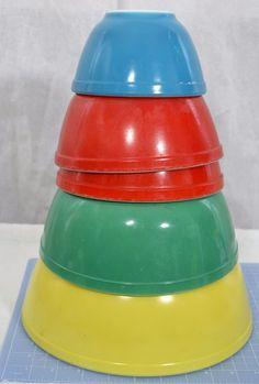 Vtg Set of 5 Pyrex Mixing/Nesting Bowls Primary Colors 401-404YellowGreenRedBlue #Pyrex