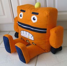 SUPER pajama eater - love the robot idea!