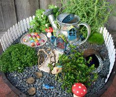 DIY fairy garden ideas are whimsical, pretty, and easy to make. Here are 20 DIY fairy garden ideas to try at home. Fairy Garden Images, Mini Fairy Garden, Fairy Garden Houses, Gnome Garden, Fairy Gardening, Organic Gardening, Fairies Garden, Indoor Gardening, Indoor Fairy Gardens