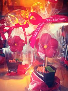 Special Mother's Day Chocolates by #DanielMercier – à Lyric Hotel Paris. #chocolates #lyrichotel #paris #macaroons #hotel